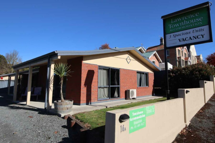 Lawrence Townhouse – 16A